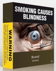 """Zigarettenpackung mit der Aufschrift """"Rauchen verursacht Blindheit"""""""