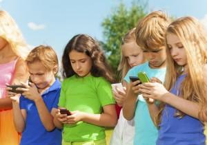 Kinder_und_Handys